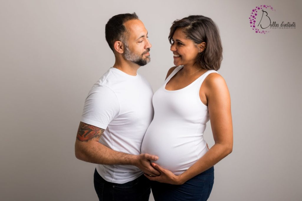 photo-couple-futurs-parents-studio-yvelines