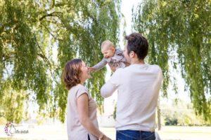 Séance photo extérieure en famille au parc du château de Plaisir – Yvelines (78)