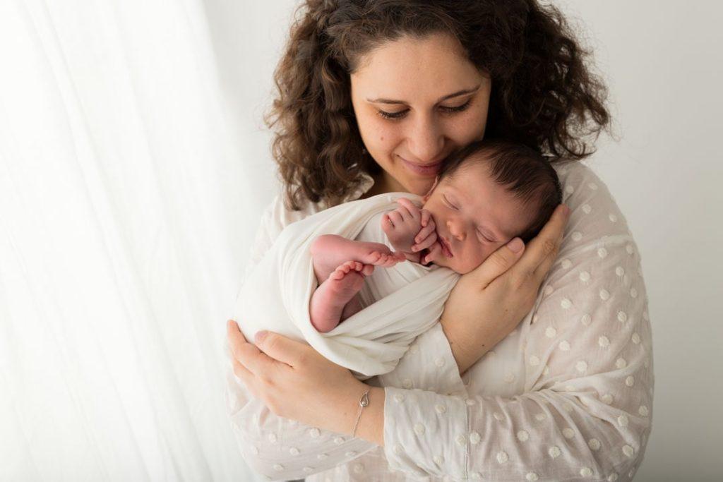 séance photo de bébé avec la maman dans les Yvelines 78