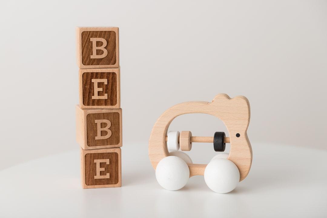 petits-accessoires-seance-photo-studio-jeu-bebe
